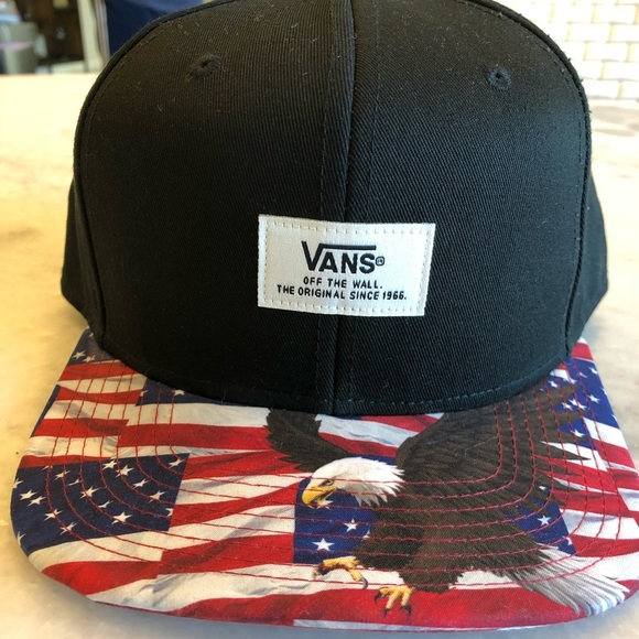 b485015c60 Vans Accessories - Vans flat bill snap back hat- American flag